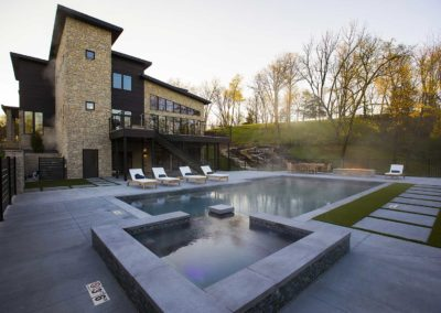 synergy-executive-center-private-rehab-for-men-pool